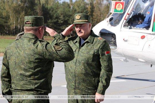 Лукашенко: Беларусь не будет разговаривать с Западом до снятия санкций