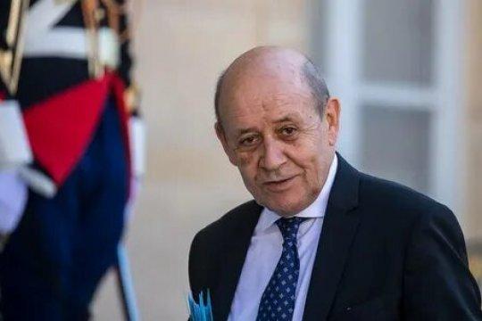 Глава МИД Франции назвал  разрыв контракта по субмаринам для Австралии «ударом в спину»