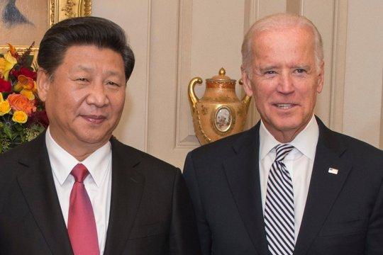 Байден и Си Цзиньпин провели телефонный разговор впервые за семь месяцев
