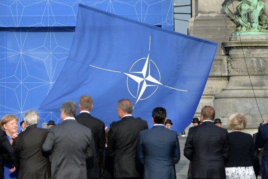НАТО высылает российских дипломатов