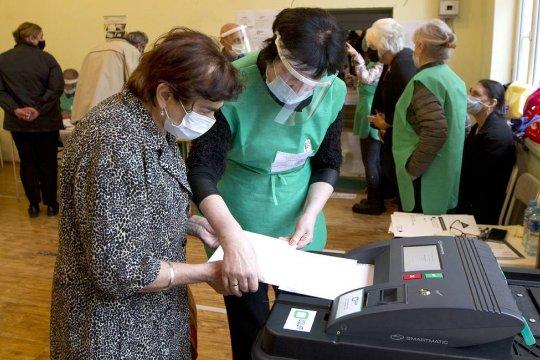Данные экзитполов на выборах в Грузии  радикально отличаются друг от друга