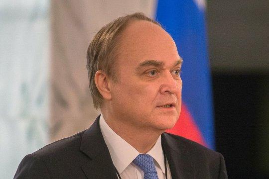 Анатолий Антонов: американские законодатели пытаются разрушить отношения РФ и США