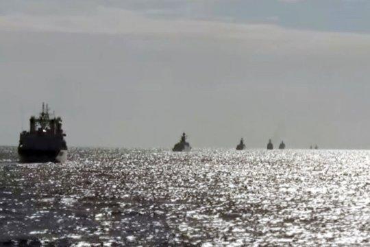 Министр обороны Японии назвал демонстративными совместные действия кораблей России и КНР