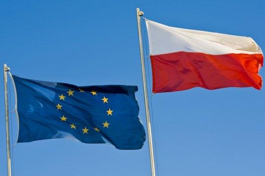 В Польше прошли протесты против Решения КС страны о приоритете Конституции над законами ЕС
