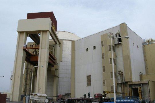 Иран: политический спектакль об атоме и санкциях - антракт или финал?