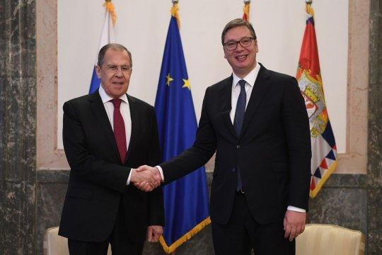 Вучич на переговорах с Лавровым вновь подтвердил нейтральный статус Сербии