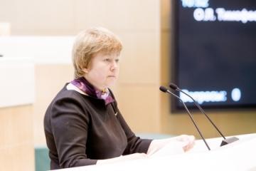 О. Тимофеева: Среди основных задач, стоящих перед властями Севастополя, – выравнивание зарплат бюджетников