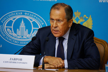 Foreign Minister Sergey Lavrov gives a briefing on Ukraine's humanitarian crisis in Moscow on 25 August 2014
