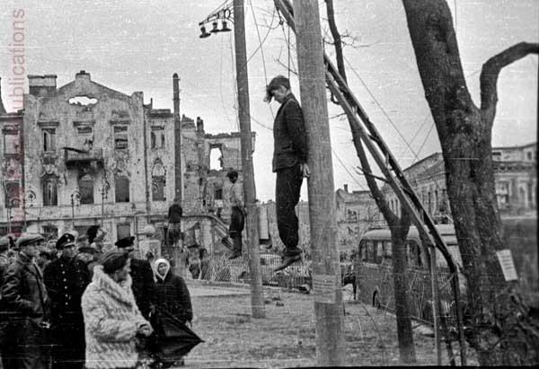 МИНСК. Всего во время оккупации захватчики уничтожили в Минске и его окрестностях более за 400 тысяч человек