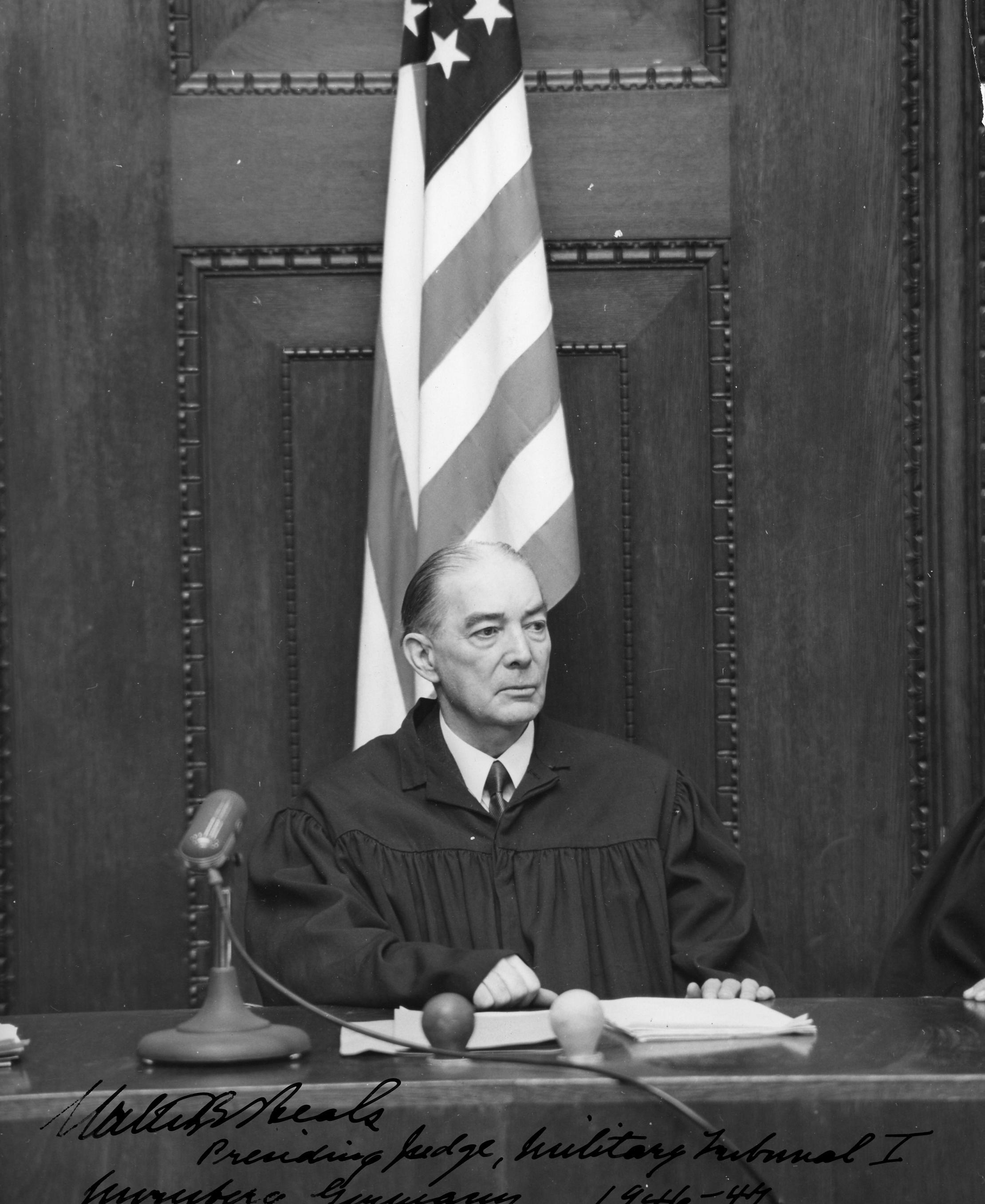 Судья Бикс