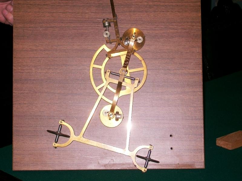 Экспонаты Кабинета Бетанкура ПГУПС (механическая дноуглубительная землечерпалка с паровым двигателем по проекту Бетанкура, макет землечерпалки Бетанкура и др.).